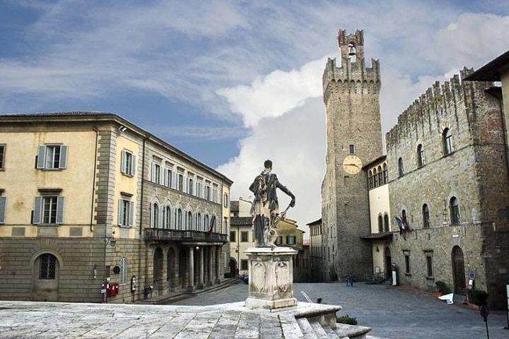 Palacio de Arezzo,  local de la exposición Sorridente con la Monna Lisa