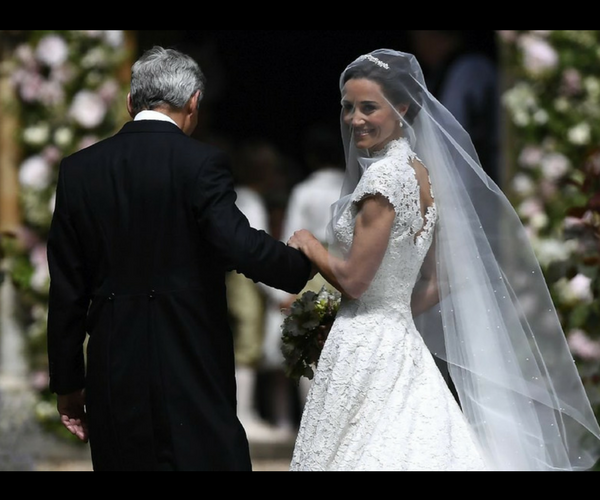 Michael Middleton y Pippa  Middleton. / Twitter.