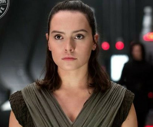 Daisy Ridley, actriz. / Productora.