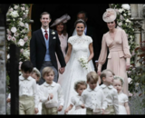 Pippa Middleton, James Matthews y Catalina, duquesa de Cambridge. / Twitter.
