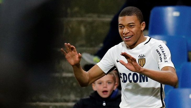 Mbappé, memorable peineta al fair play financiero
