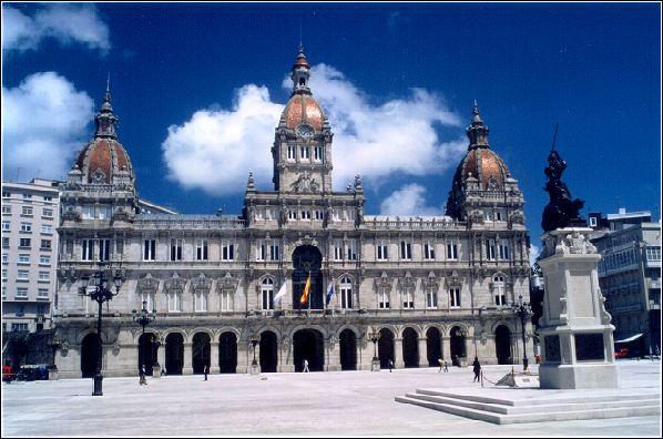 Palacio Municipal de A Coruña en la plaza de María Pita.