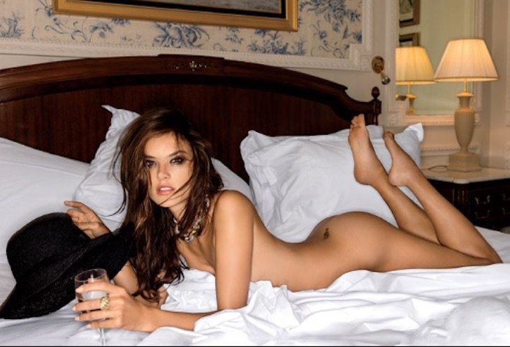 Alessandra Ambrosio Se Desnuda En La Riviera Francesa Para Maxim