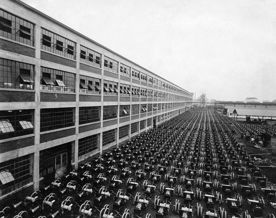 Ciudades de michigan detroit apodada motor city for Ford motor company detroit mi