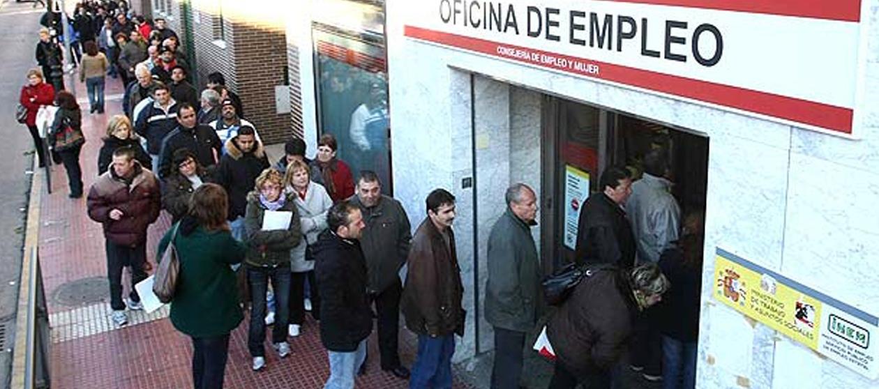 Vuelve a subir el paro en espa a en 2016 y hay mayor for Oficina de empleo azca madrid