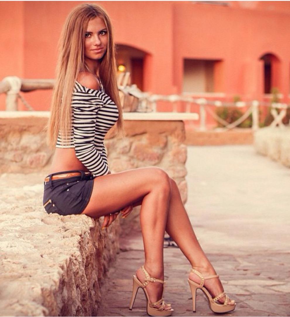 Opinion Chicas en minifaldas are mistaken