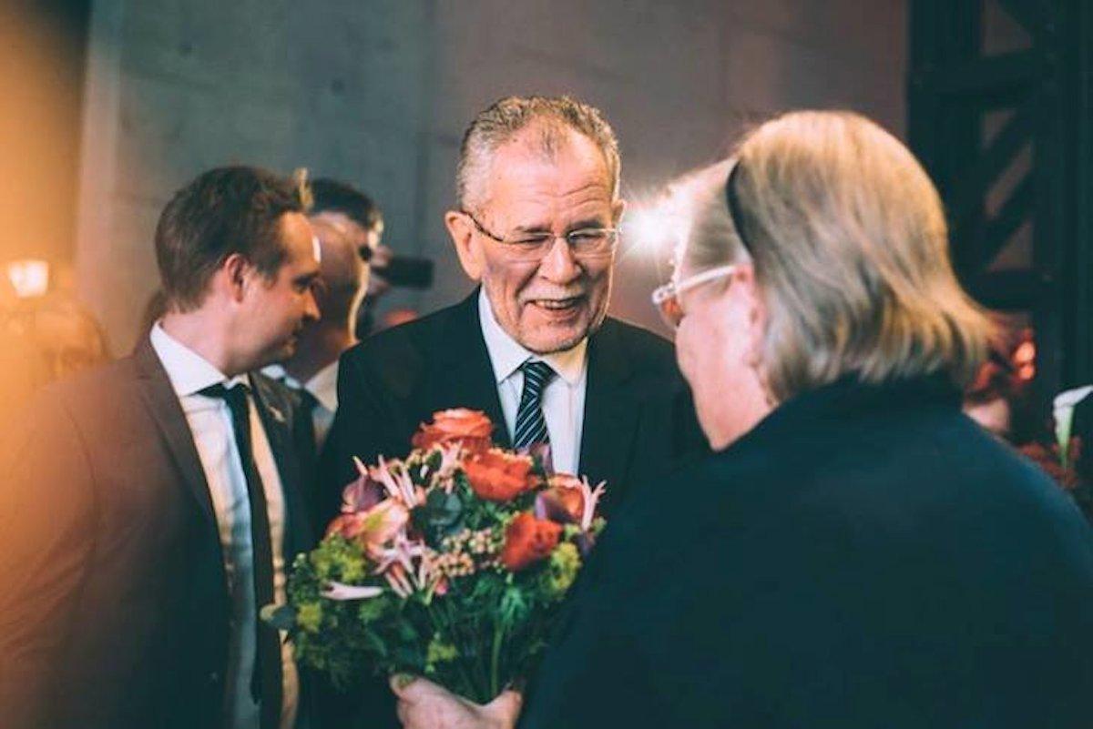 van der bellen derrota al ultraderechista hofer y ser el nuevo presidente de austria pol tica. Black Bedroom Furniture Sets. Home Design Ideas