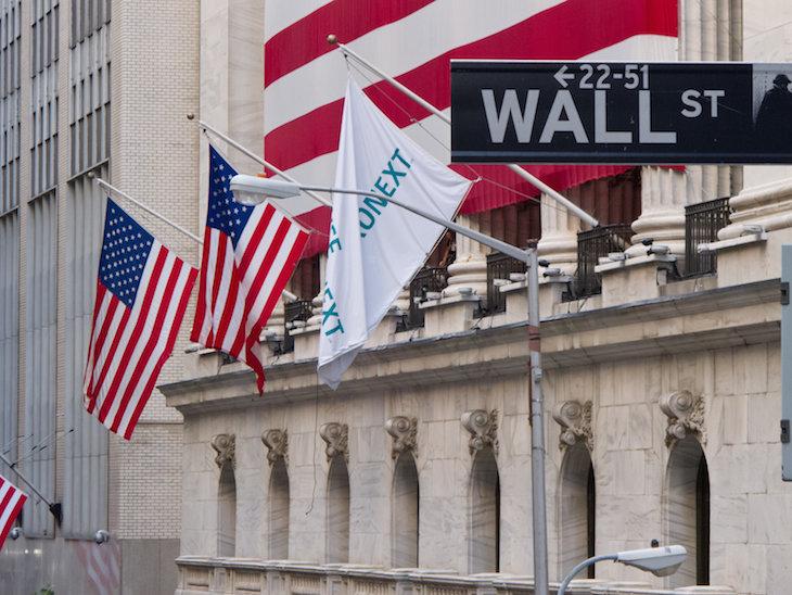 Wall Street cierra mixto pendiente de resultados, China y la Reserva Federal