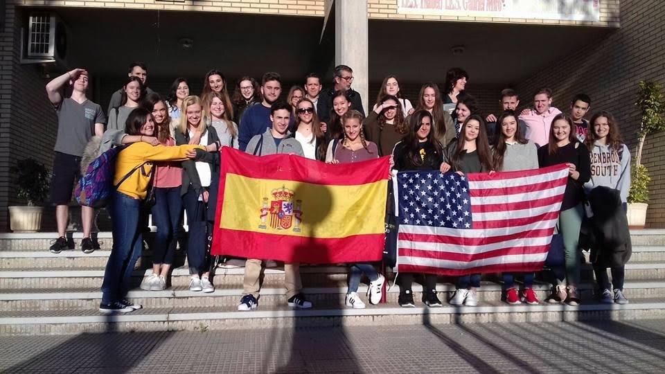 Encuentro entre alumnos de Orihuela y Chicago./ Hipólito