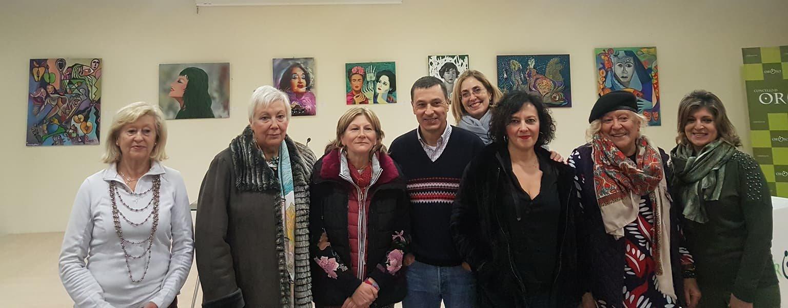 Grupo de pintores que acudieron al acto de inauguración. / Mundiario.