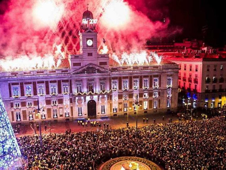 Año nuevo en la Puerta del Sol /RR.SS
