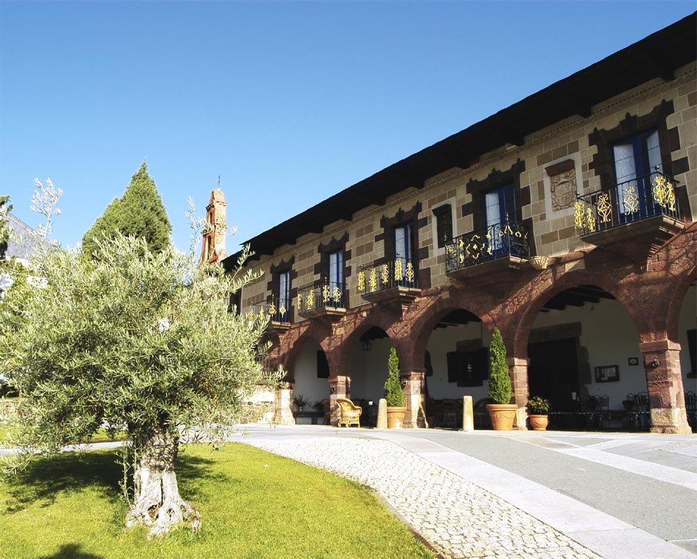 Premio q de calidad tur stica al presidente feij o y al for Hotel familiar nunez