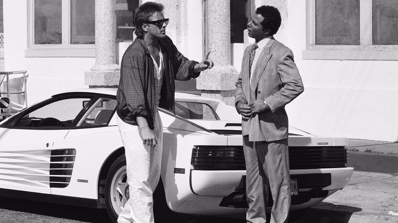 Don Johnson y Philip Michael Thomas con su Ferrari Testarossa en Miami Vice. / TV