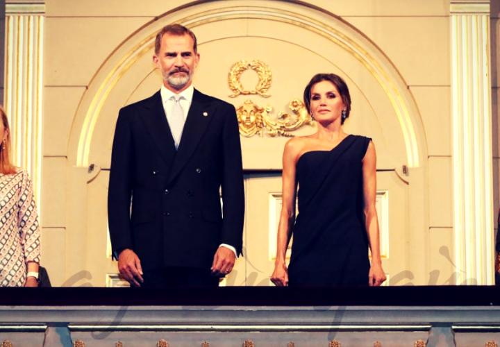 Exigen la abdicación de Letizia y Felipe tras desvelarse el mayor fraude