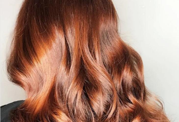 El terciopelo rojo es la nueva tendencia en color de cabello y es ... b047c3b1459b