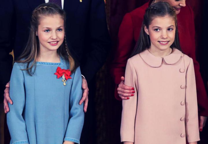 5b285649737e Por qué la Princesa Leonor lleva pendientes y la Infanta Sofía no ...