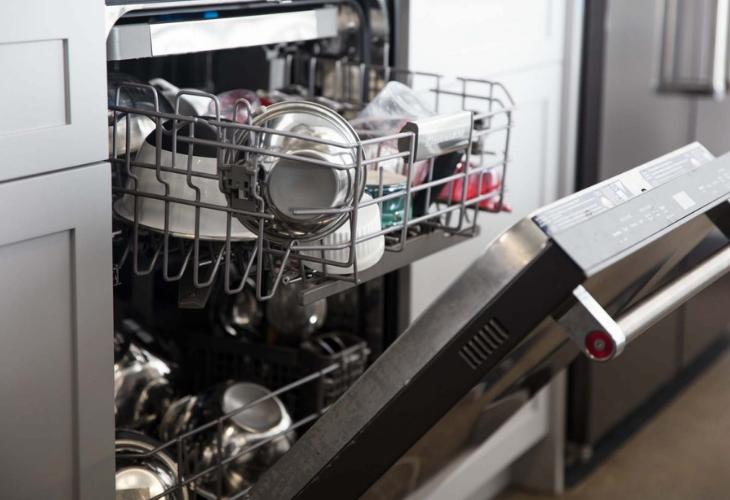 4806309832ed Por qué no debes lavar los platos a mano - Lifestyle - Mundiario