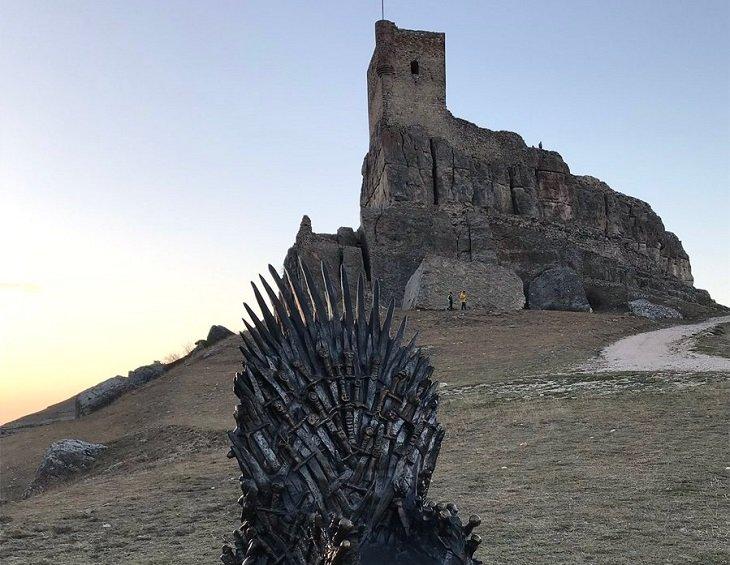 Descubre El Castillo Español Que Ya Conoce Todo El Mundo Por Juego De Tronos Turismo Mundiario