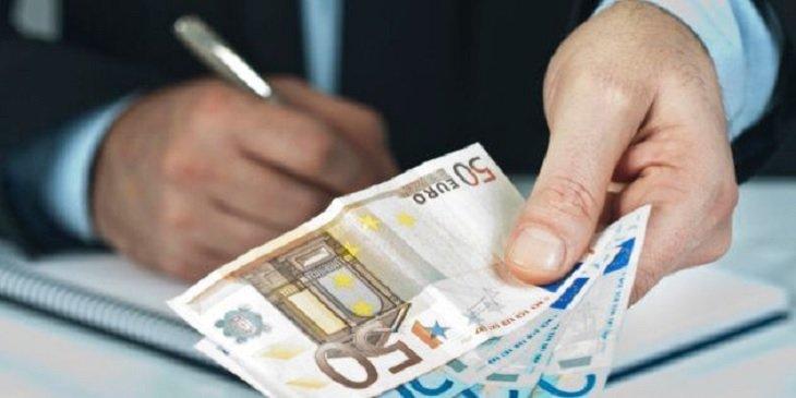 Bruselas abre una consulta para establecer un salario mínimo europeo