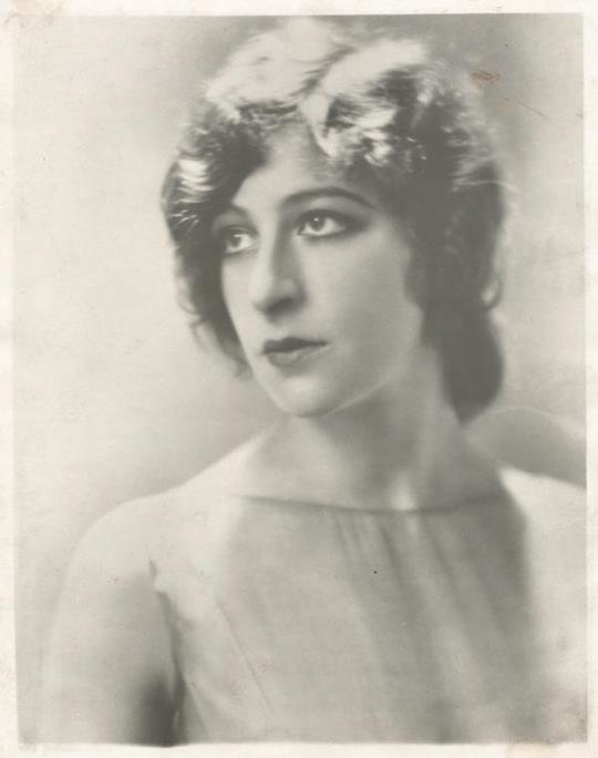 Fanny Brice. / nypl.digitalcollections