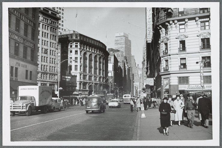 Broadway and 6th Avenue in Manhattan. / nypl.digitalcollections