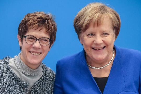 Crisis política en Alemania: Merkel se quedó sin heredera