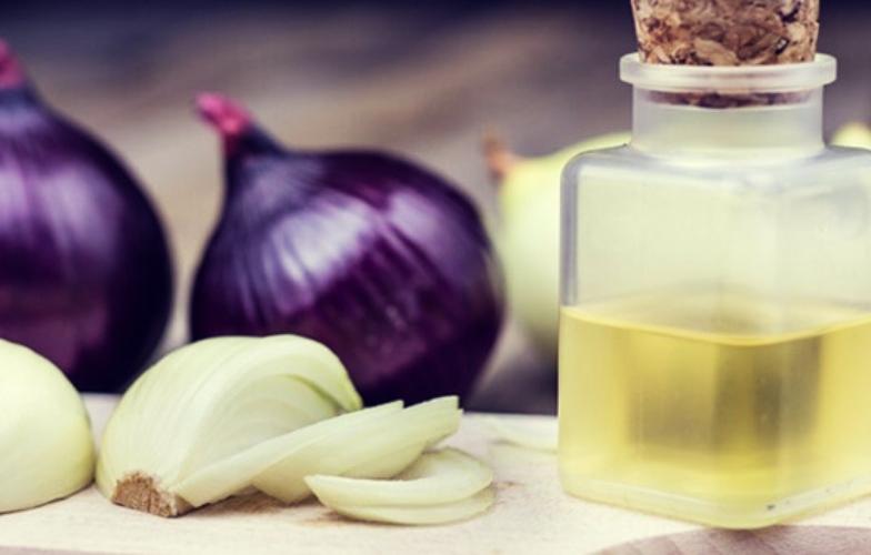 De cómo el jugo de la cebolla puede ser mágico para el cabello y rostro