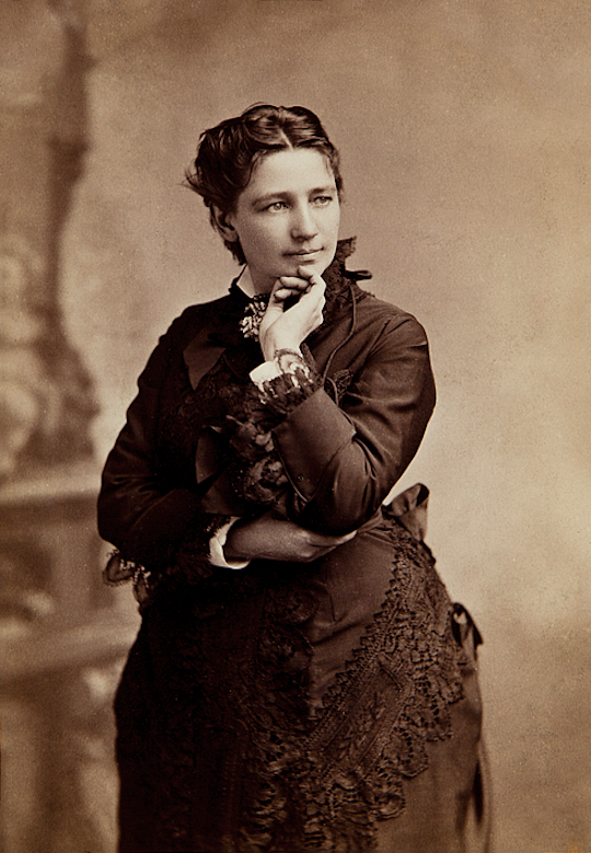 Victoria Woodhull. / Bradley & Rulofson / Harvard Art Museum. Fogg Museum, Historical Photographs and Special Visual Collections Department, Fine Arts Library