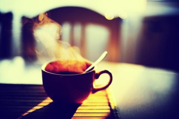 Esta es la poderosa razón por la que debes evitar tomar café con el estómago ...