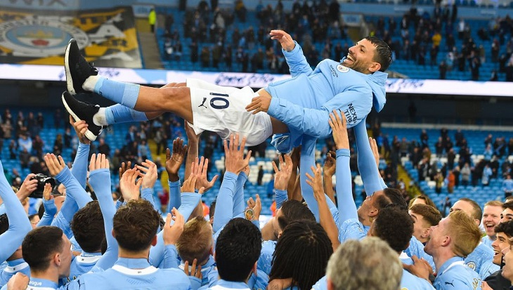 Sergio Agüero se despide con doblete del Manchester City